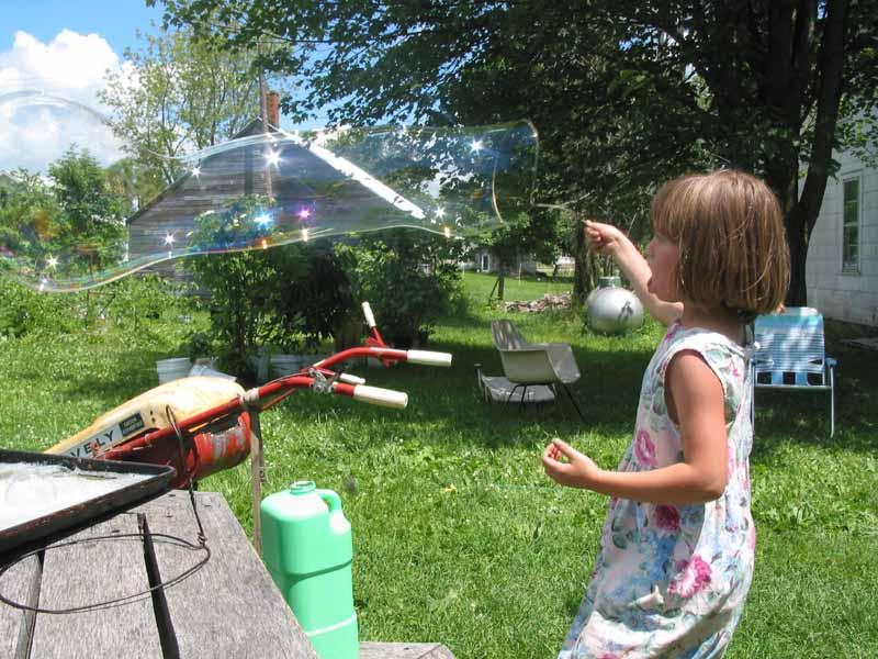 Mari and bubble