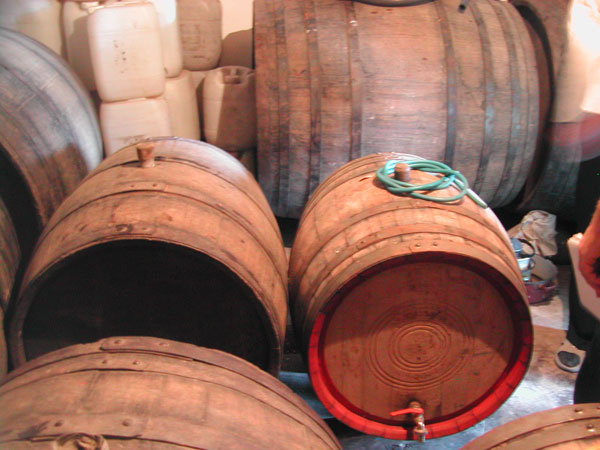 oak_wine_casks.jpg